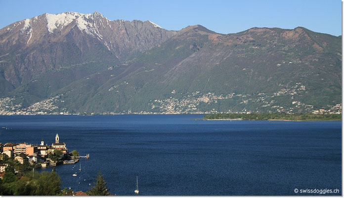 Vom Ferienhaus fahren wir hinunter an den See...