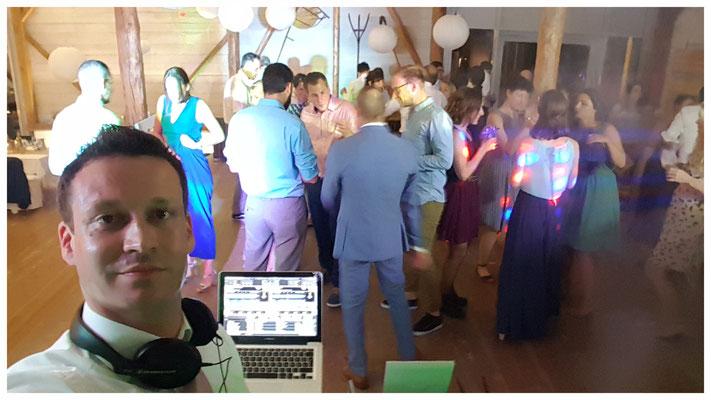 Der Gentlemen-DJ Eric als Selfieking :-)