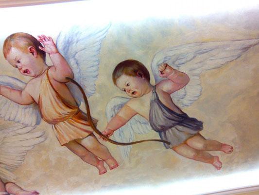 Роспись потолка ангелы амуры