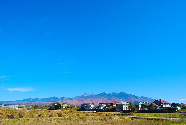 当社からは八ヶ岳の雄大な景色がご覧いただけます。