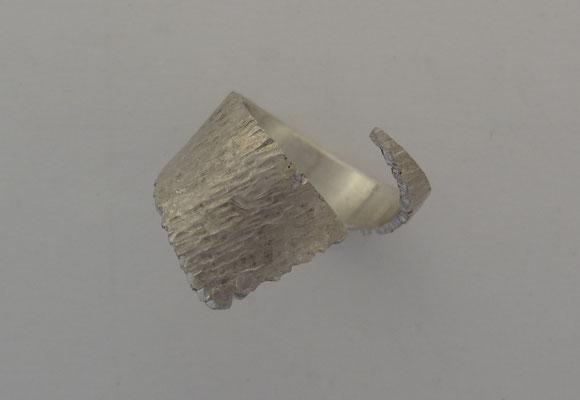 Artdesign Spirale ring, hamerstruktuur, zilver 925, Fr. 130.-