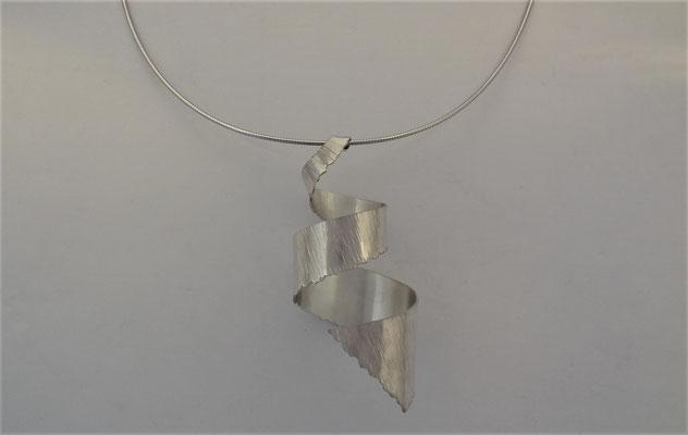 Artdesign Spirale hanger met ketting, hamerstruktuur, zilver 925, Fr. 230.-