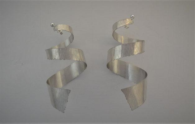 Artdesign Spirale oorhangers, hamerstruktuur, zilver 925, Fr. 225.-