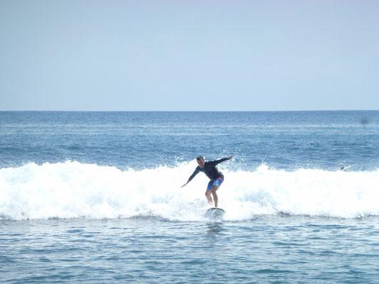 Fjodi am surfen