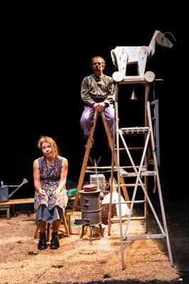 """""""Tischlein deck dich"""" - Theater Mummpitz Nürnberg - Bühnenbild M. Pfeiffer - Foto Rudi Ott"""
