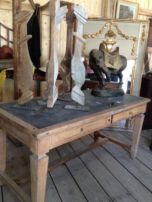 table de métier, balustre xviiéme montée en lampe  sur base indus