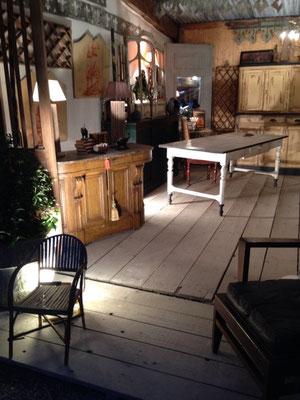 Table de ferme 2m40 peinte ayant un tiroir