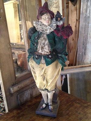 Pierrot en terre cuite