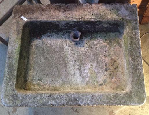 évier en pierre début de siècle