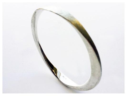Armreif aus 925er Silber, handgearbeitet