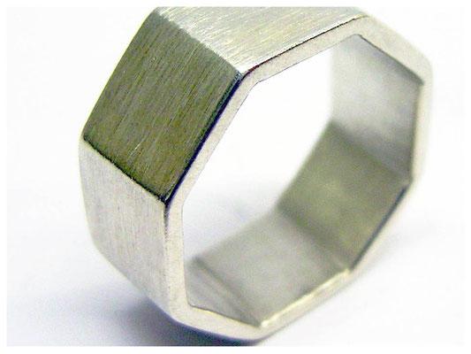 Geometrischer 8 eckiger Ring, Silberring auch schön als Herrenschmuck