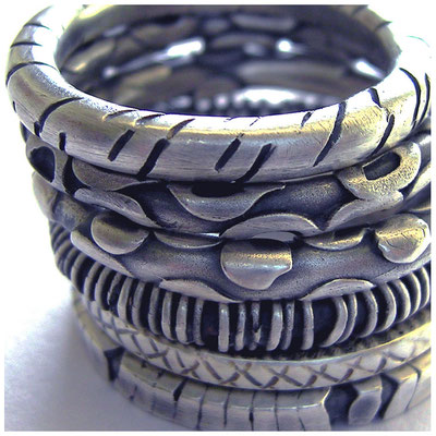 Dekorative Strukturringe gut als Freundschaftsringe oder Partnerschaftsringe zu tragen