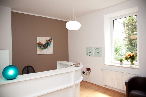 Reception and waiting area at Naturheilpraxis Margot Eisele