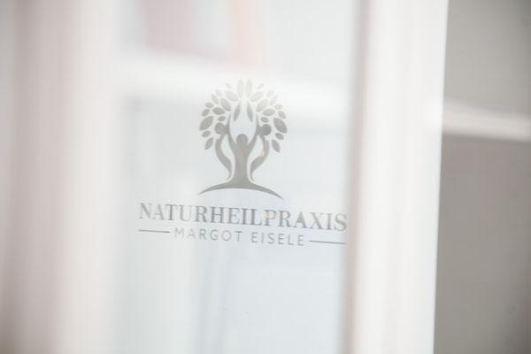 Fensterfolie Praxislogo, Haidhausen
