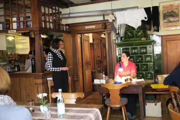 3 Kulturkreis Vellberg  Lesung mit Sabine Olbrich  15.März 2015  Gasthof Ochsen, Vellberg