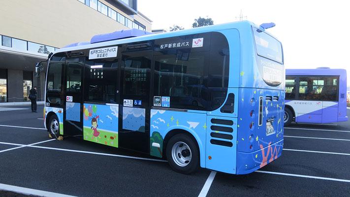 バス(ポンチョ)フルラッピング例
