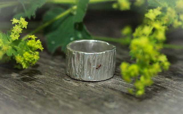 Strukturierter Ring in 999 Feinsilber je nach Größe ab 139,-€