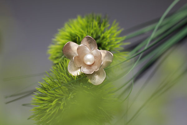 Blütenring mit Perle 925 Sterling Silber  149,€