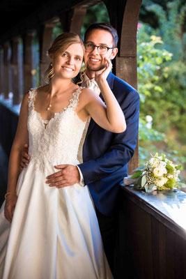 Burg Crass Hotel & Eventlocation Eltville, Freygäßchen 1, 65343 Eltville am Rhein, Hochzeitsbilder, Hochzeitsfoto, Hochzeitsfotograf, Fotograf für Hochzeiten, kreative Hochzeit, Hochzeitspaar, Hochzeit, Spaß Bild Hochzeit Gruppen,