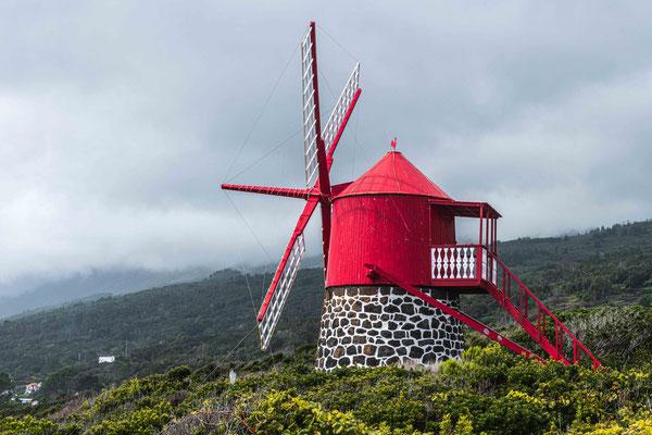 Restaurierte Windmühle bei Sao Jao