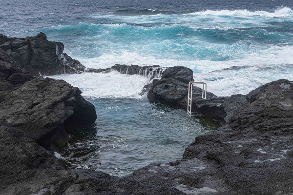 Naturbadestelle bei Feteiras (Südwestküste)