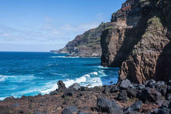 Bucht bei Ponta da Ferraria (Westküste)