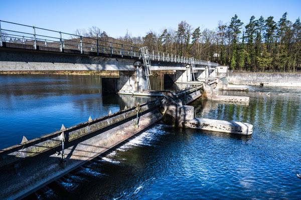 Wehr östlich Schninznach-Bad