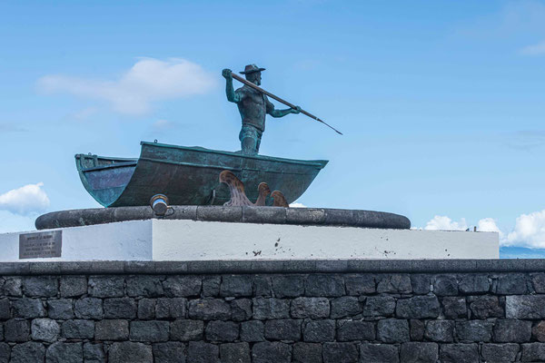 Walfängerstatue in São Roque