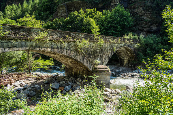 Steinbrücke bei Gera (Faido)