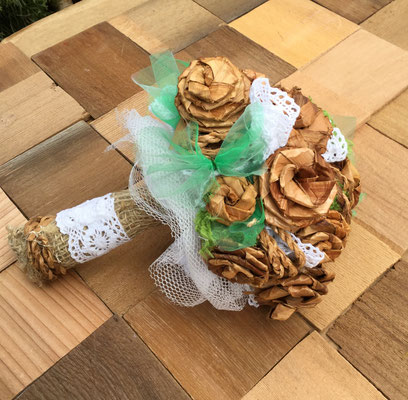 Cedar Bark Roses Bouquet