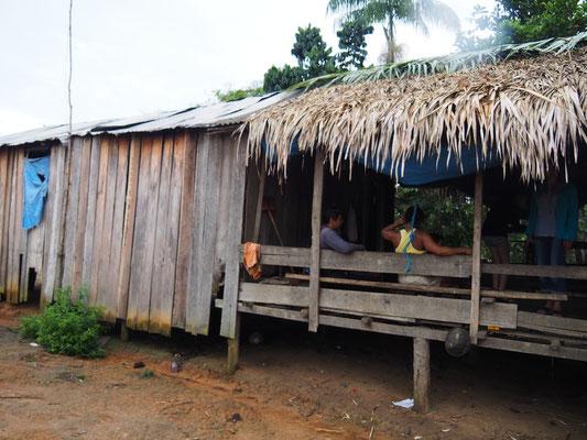 So sehen die Hütten der indigenen Völker am Tupana River aus