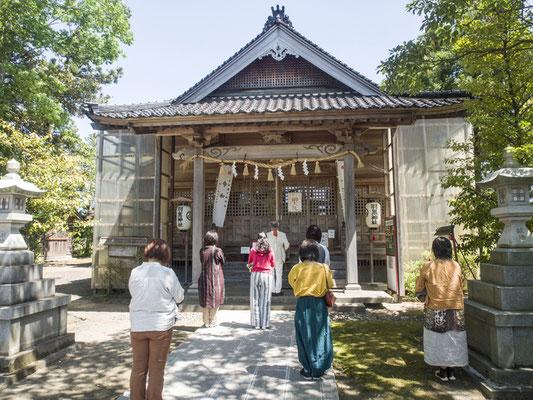 羽黒神社にて