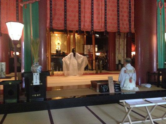 出羽三山神社での姫月さんの奉納