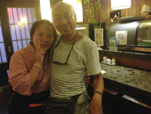 上海の日本料理店の店員さん!彼女には何故かとっても好かれたようで何かと親切にしてもらいました!