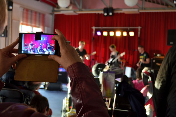 27. März 2017: Drei Coverbands aus Wetter und Witten gestalten ein Mini-Rock-Festival im Kulturcafe der Evangelischen Stiftung Volmarstein. © Dorothee Hoppe, WP/WR