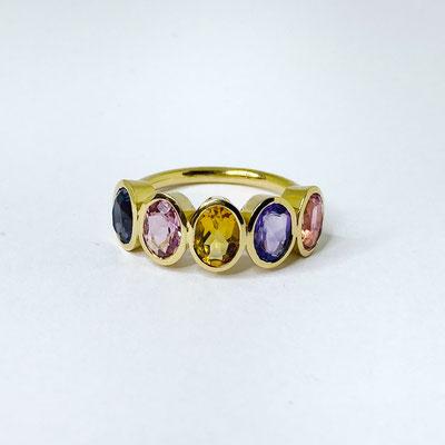 Colour-Up-Ring mit verschiedenen Edelsteinen