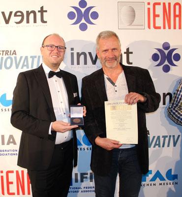 Karl-Heinz Eichhorn_Preisverleihung für Modulares Liegerad_Erfindermesse iENA2017-Nürnberg