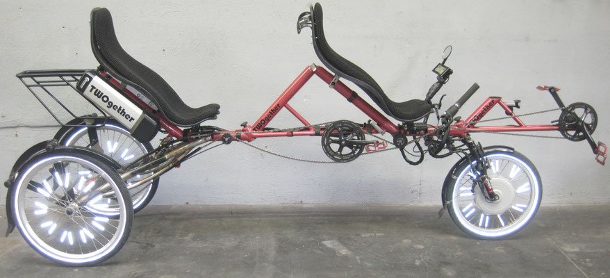 TWOgether Tandem Trike (construction site with pannier rack)