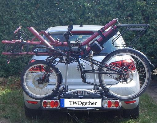 TWOgether Tandem auf dem Auto-Gepäckträger