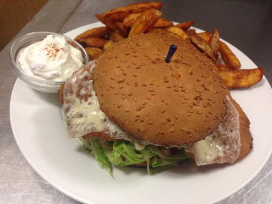 Schnitzel-Burger mit Wedges