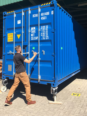 40` Container opening