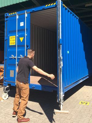 40 Feet Container Doors open / Hecktüren öffnen