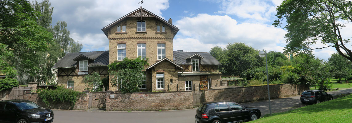Zentral und doch im Grünen, das Haus der Familie Goosmann, mit Ferienwohnung und Gästezimmer.