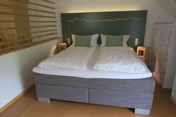 Moderne Ferienwohnung mitten in Bad Honnef, ausgestattet mit Boxspringbett, Spülmaschine, Waschmaschine,...