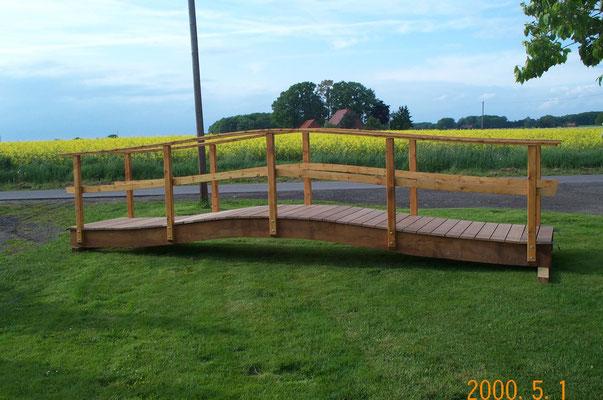 Brückenbau für Gartenteich Zimmerei Thiermann