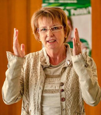 Priska Hinz ist Hessische Ministerin für Umwelt, Klimaschutz, Landwirtschaft und Verbraucherschutz