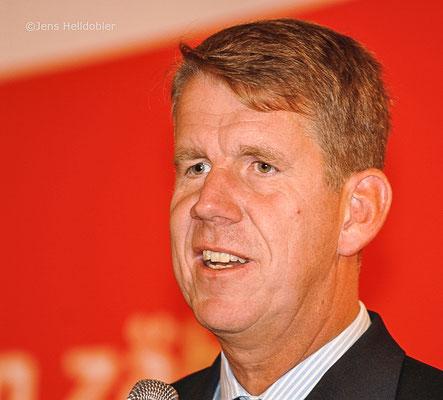 Friedrich Joussen ist Vorstandsvorsitzender der TUI GROUP