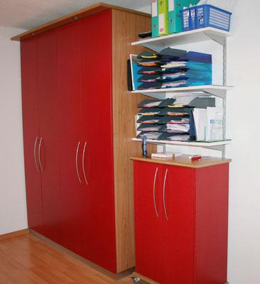 Büroeinrichtung rot