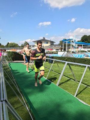 Jonas Arlt beim Wechsel zum Laufen