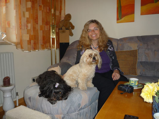 ... schön bei Mama Hannah & Hunde-Omi Marion ... Mai 2013